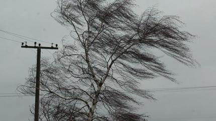 Синоптики прогнозируют сильный ветер и по-летнему жаркую погоду на территории Челябинской области