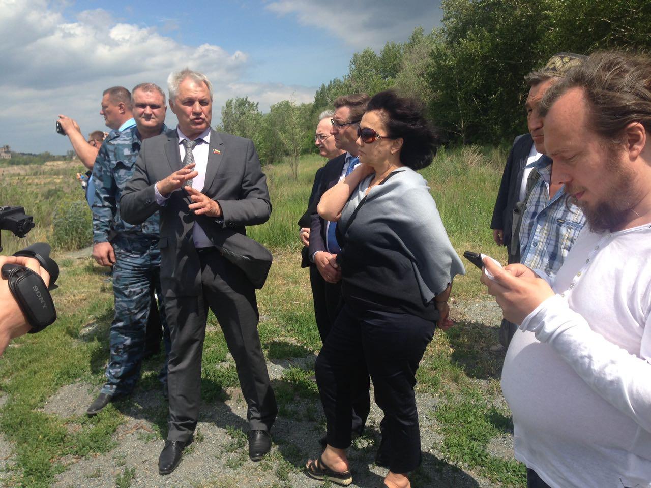 Правозащитники встретились с жителями «путинской Розы» (часть поселка была расселена после приезд