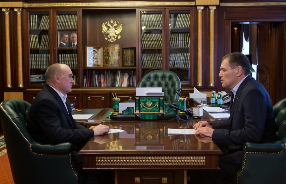 Сегодня, 11 апреля, губернатор Борис Дубровский обсудил с парламентарием его законодательные иниц