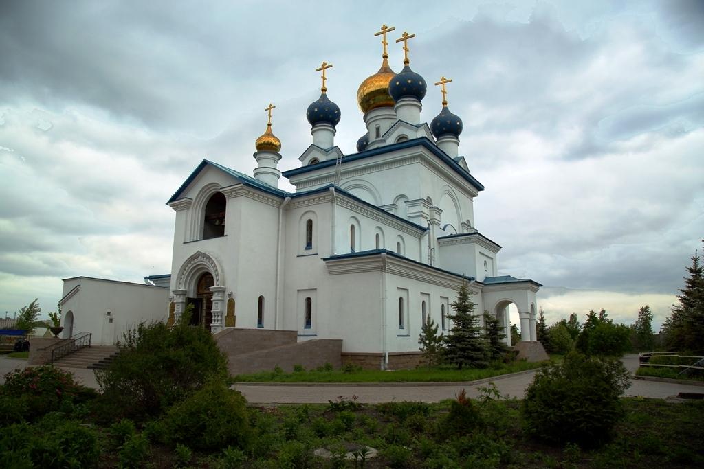 До мая 2017 года в Челябинской епархии действовали один монастырь (Одигитриевский женский монасты
