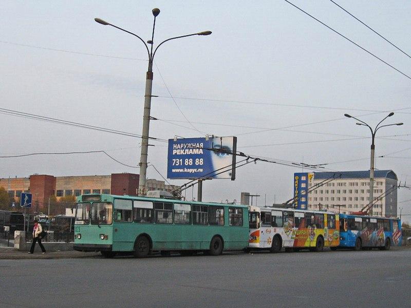 С площади Революции по своим маршрутам отправятся трамваи №3 (в направлении ЧМК), № 5 (в направле