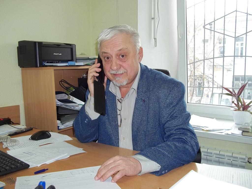 Расстрелянного в упор браконьером охотинспектора Александра Минина похоронили с почестями