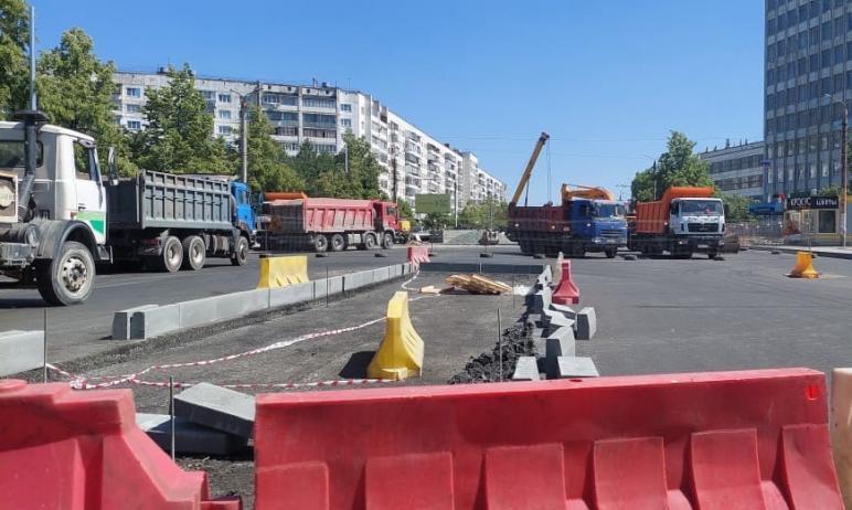 Дорожные службы Челябинска планируют возобновить полномасштабный ремонт на Комсомольском проспект