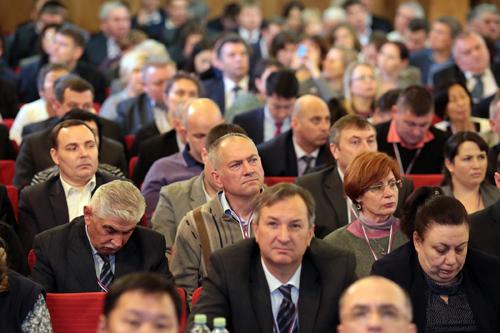 Съезд открывал и вёл первый замминистра сельского хозяйства России Джамбулат Хатуов. В своем выст