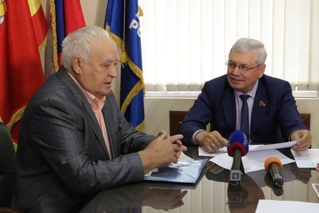 Пенсионеры Челябинской области, владеющие мощными автомобилями, теперь тоже получат льготы по тра