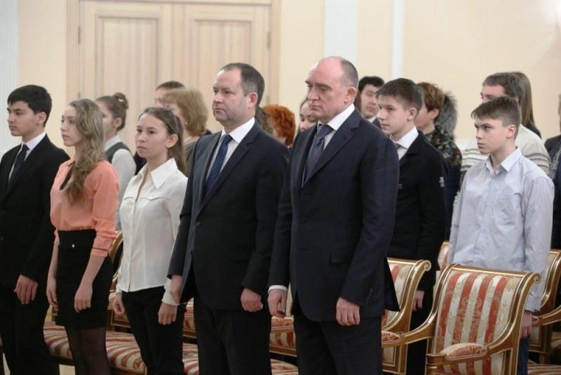 «Сегодня вы получаете свой главный в жизни документ – паспорт гражданина Российской Федерации, -