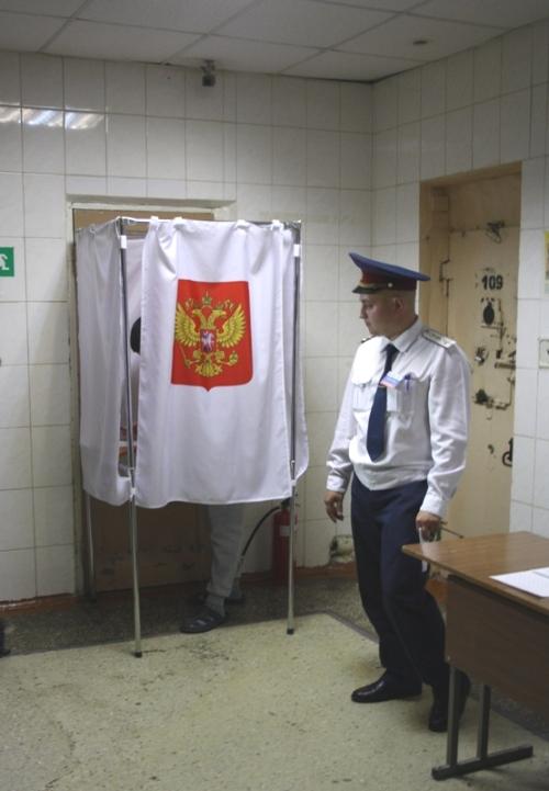 Как сообщает пресс-служба региональной ячейки ЛДПР, в первые же часы работы избирательных участко