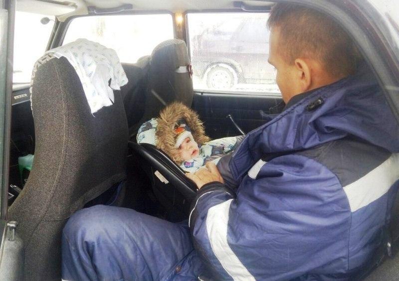 «И опять годовалый ребенок закрыт в машине, плачет. Больше часа искали горе родителей», - написал