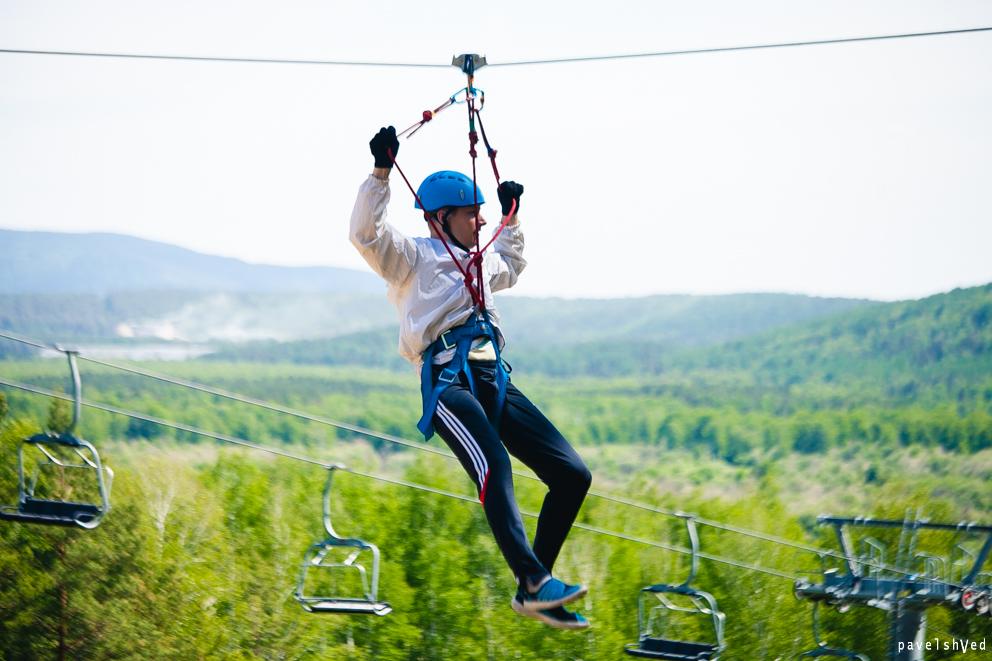 Веревочный экстрим-парк насчитывает 5 трасс различного уровня сложности. Дети от 5 лет могу начат
