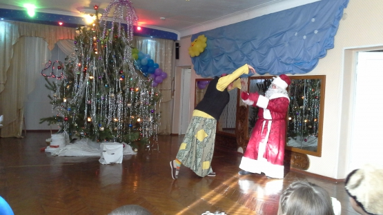 Дети в некоторых детских садах Челябинска могут остаться без новогодних утренников и Деда Мороза.