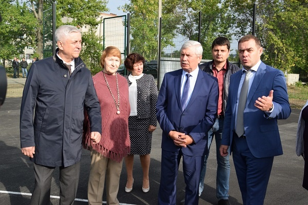 Председатель Законодательного Собрания Челябинской области Владимир Мякуш оценил новый Дворец Бра