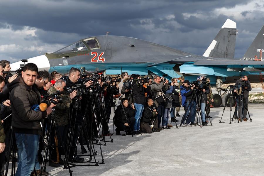 Журналисты получили возможность в течение трех дней напрямую знакомиться с бытом и жизнью российс