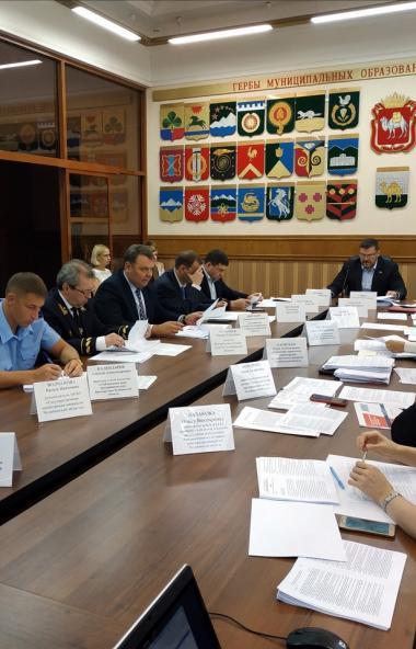 Депутаты комитета Законодательного Собрания Челябинской области по экономической политике и предп