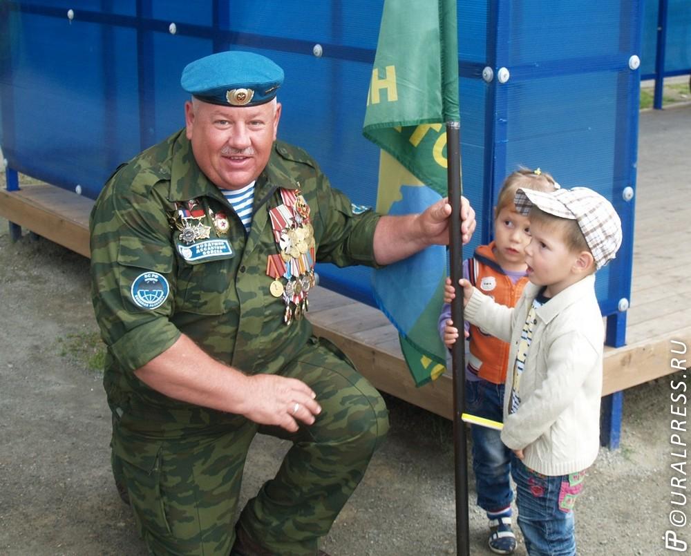 Челябинские десантники активно занимаются благотворительностью, даже в День ВДВ. В четверг