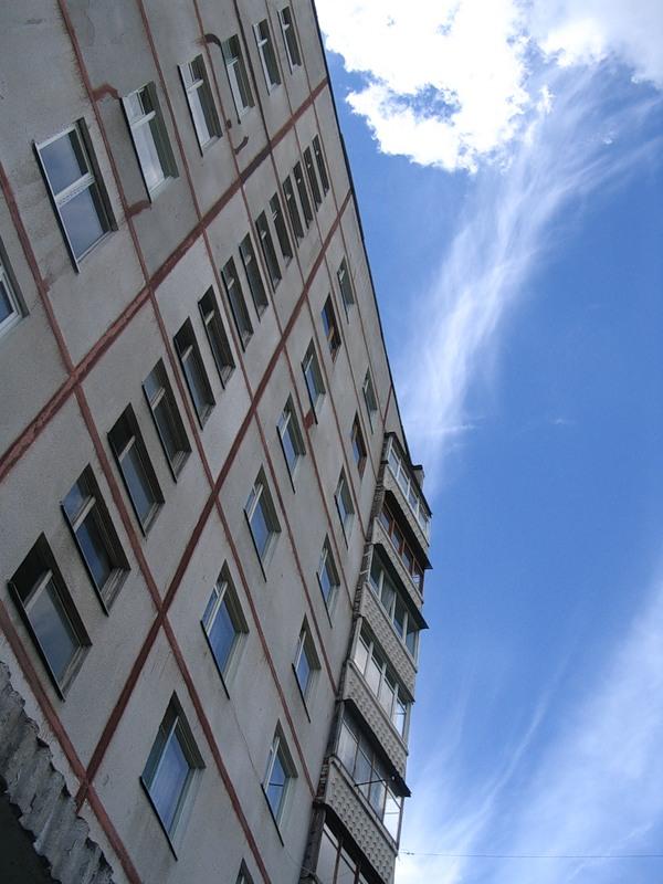 Трагедия чуть не произошла 30 июля в 3.05 в доме по улице Лазника, 13. Спасателям поступило сообщ