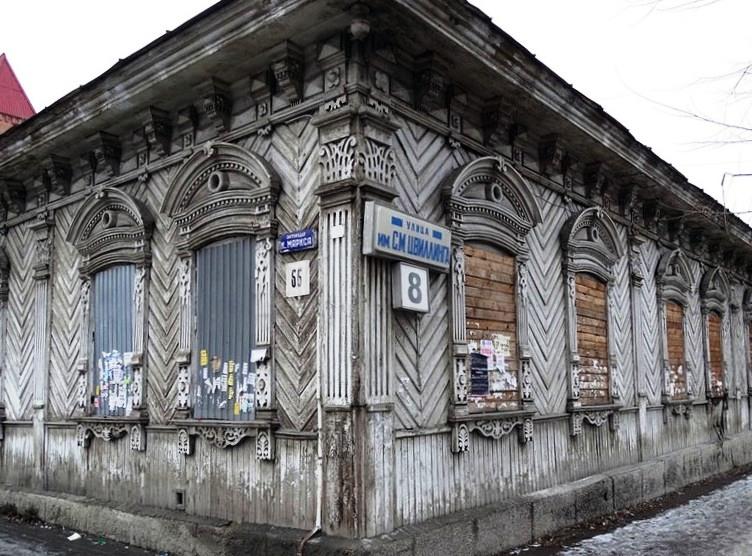 О том, что объект культурного наследия региона хотя реконструировать, в частности, надстроить еще