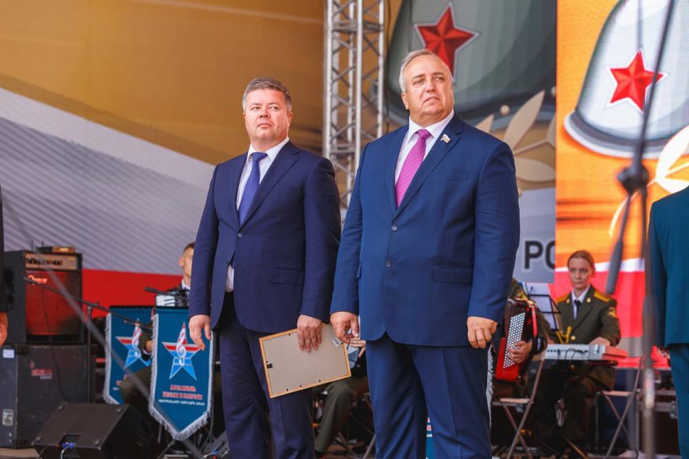 «Я благодарю Челябинск за это важное событие, - обратился к собравшимся лидер российского Союза в
