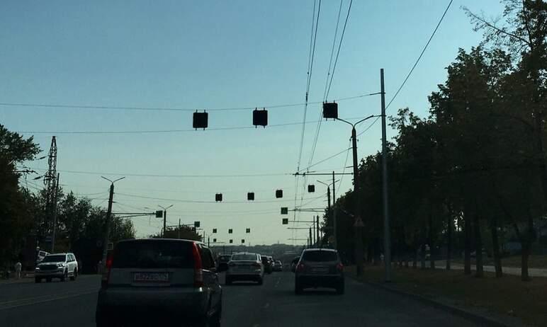В Челябинске на Комсомольском проспекте появились новые дорожные знаки. Об этом агентству «Урал-п