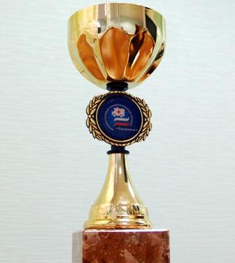 Церемония награждения состоялась в Москве в отеле «Арбат» 13 декабря. Золотые кубки победителей ж