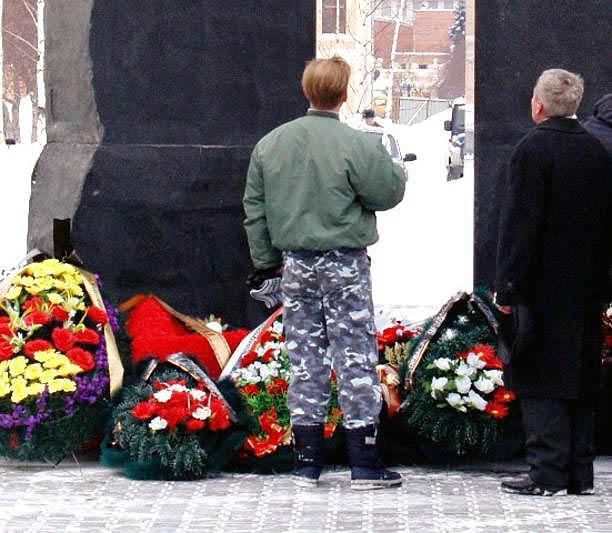 По данным ведомства, младший сержант Михаил Широкопояс скончался 7 июня в Главном военном клиниче