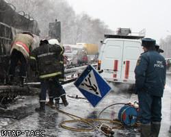 В результате столкновения автобуса и КАМАЗа, груженного семечками, на участке дороги Самара - Вол