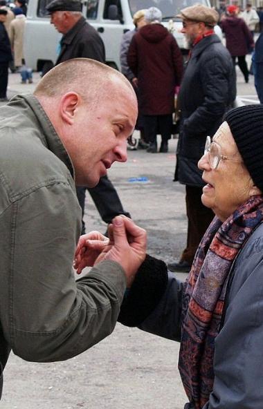 Жители Челябинска считают, что их труд должен оцениваться в полтора раза выше, чем в настоящий мо