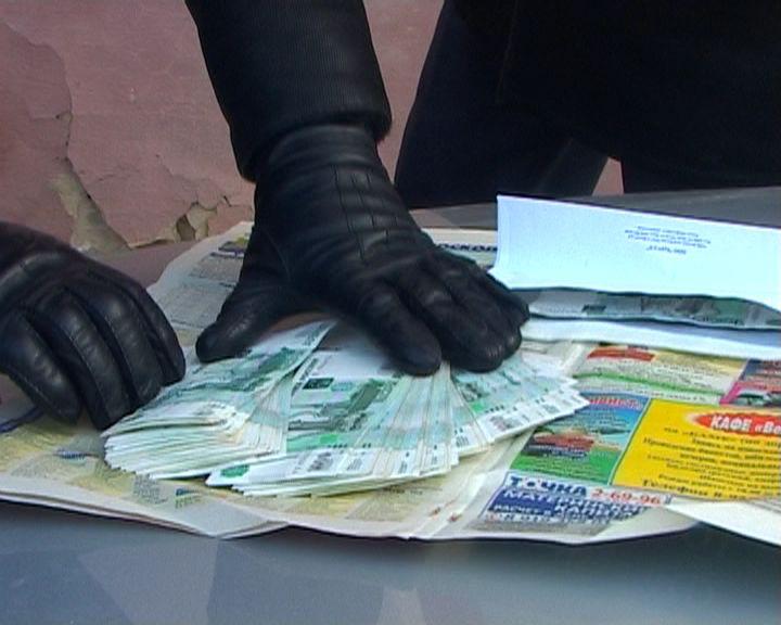 Как сообщает СУ СК России по Челябинской области, эту сумму инспектор требовал у директора ООО «С