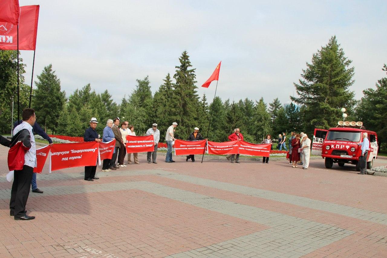 «В нынешней ситуации санкций против России мы должны сделать все для т