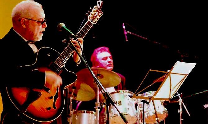 Необъятные возможности современной гитары будут демонстрировать мастера российского джаза. Центра