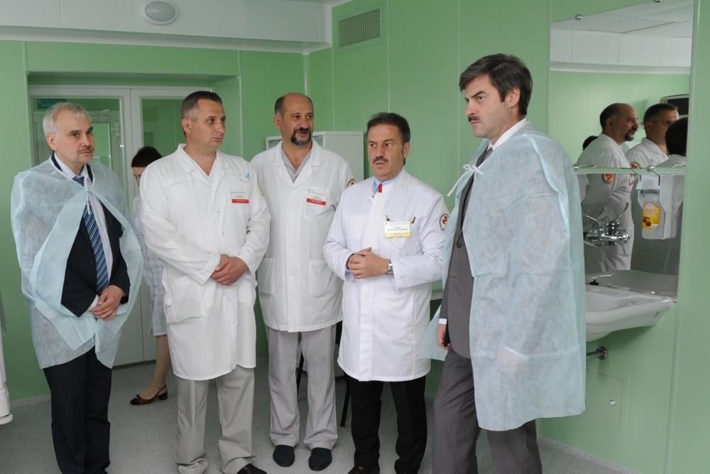 Обновленное отделение оценил первый заместитель губернатора области Евгений Редин. Главный врач б