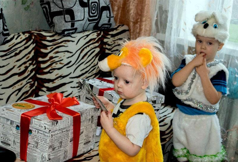 В Челябинской области проходит сбор вещей и денежных средств на новогодние подарки детям из социа