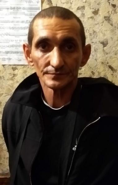 Полицейские Челябинска задержали мужчину, который подрабатывал частным извозом и грабил своих кли
