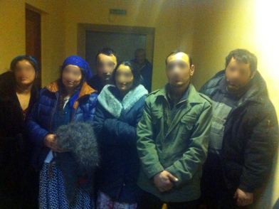 Полицейские проверили наличие у жителей этнопоселения паспортов, регистрации по месту проживания