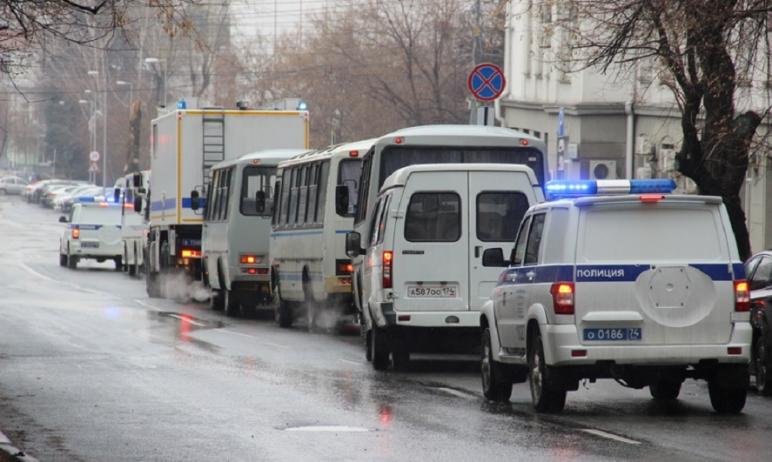 В Челябинске продолжаются проверки общественного транспорта на предмет соблюдения масочного режим
