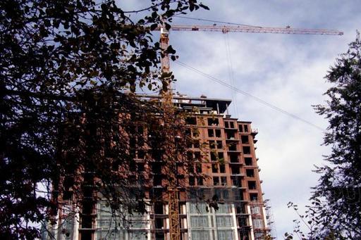 «Всего в этих домах заключено 4942 договора на долевое строительство, из которых 90% – 4461 –