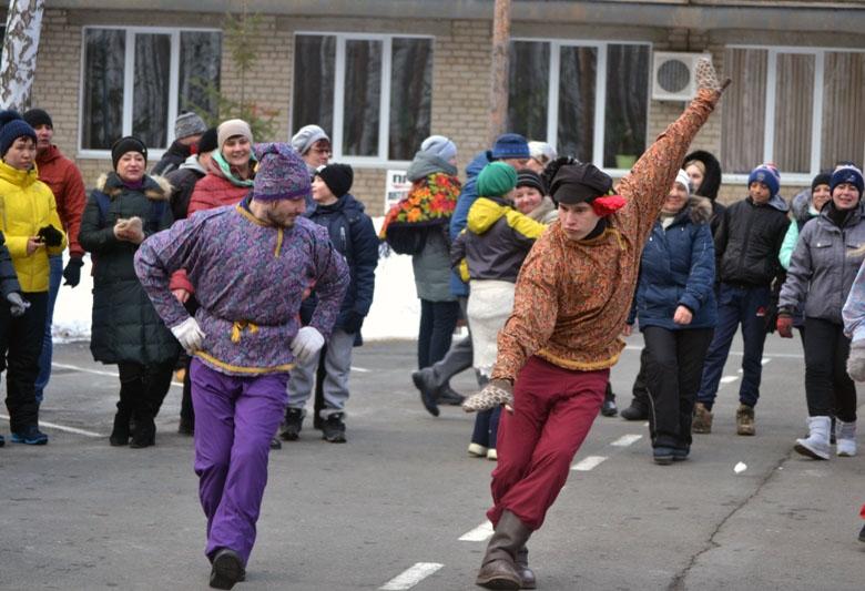 Семейный спортивный фестиваль «По щучьему велению» прошел на берегу озера Большой Кисегач. Центра