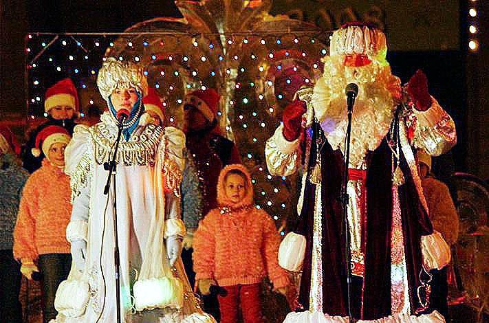 «Уральская кузница» традиционно поздравляет детей с новогодними праздниками, в этом году завод по