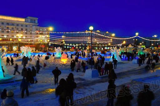 По словам главы города Евгения Тефтелева, объекты могли бы простоять дольше, однако свои корректи