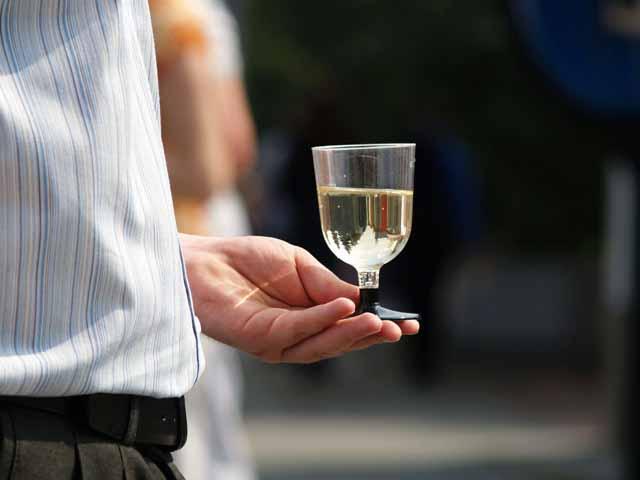Ведомство намерено предложить снизить ставки акцизов на крепкий алкоголь, но не