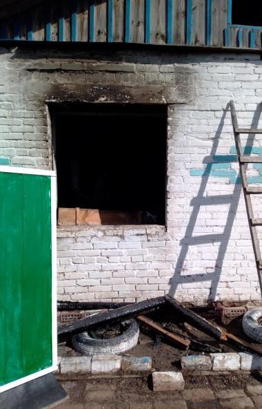На пожаре в Октябрьском районе (Челябинская область) погибла женщина-инвалид. Она страдала страда