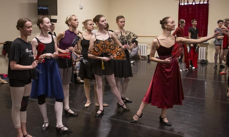 В челябинском театре готовят премьеру балета «Дон Кихот». В спектакле будут использованы декораци