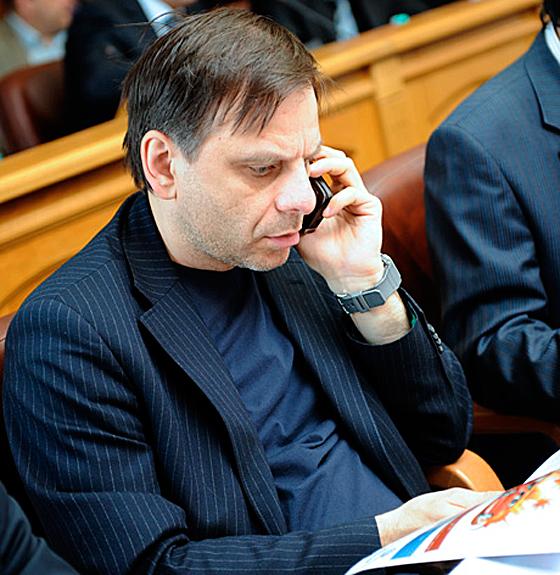 Как сообщили агентству «Урал-пресс-информ» в пресс-службе следственного комитета РФ, Ткаченко и Т