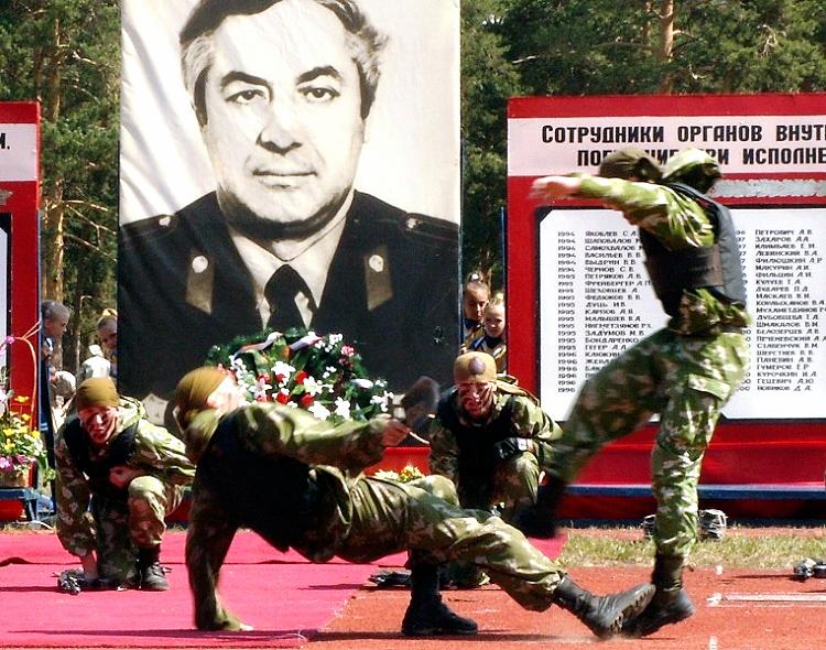 Полицейские Челябинска стали победителями ХХХIII мемориала имени погибшего сотрудника МВД, подпол