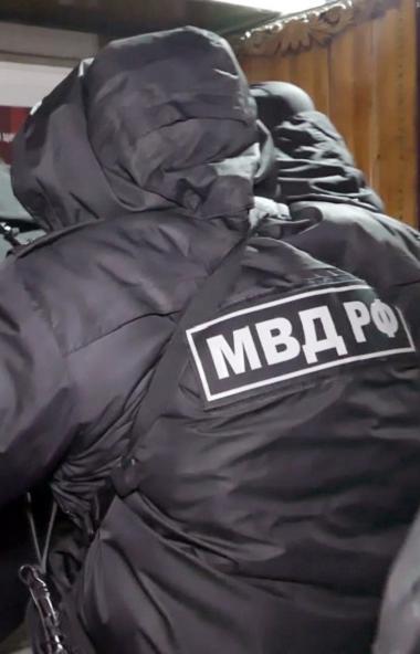Полицейские Челябинска задержали членов группировки, которые организовали не территории города не