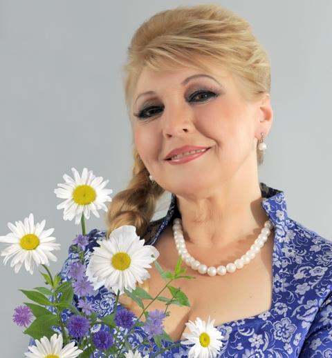Лауреат российских и всесоюзных конкурсов, обладательница Гран-при и з