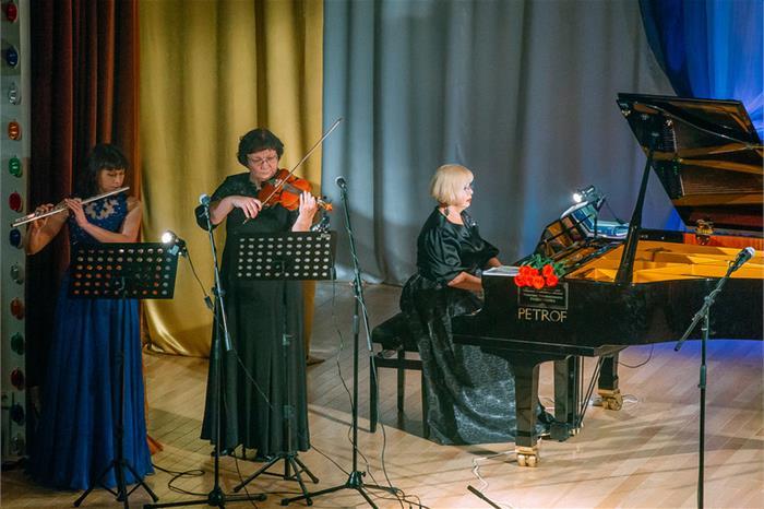 Своими выступлениями поздравить композитора собрались одни из самых ярких и известных исполнителе