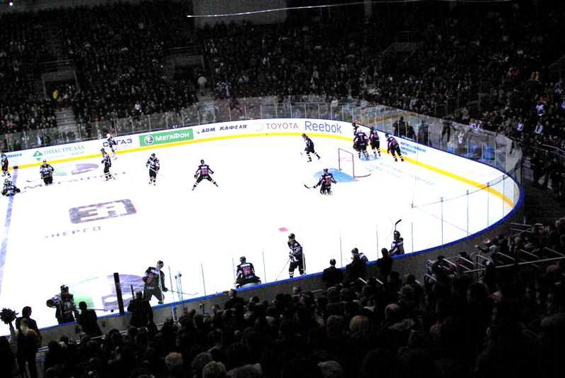 «Слован» проводил второй матч за два дня, а «Трактор» путешествует по просторам КХЛ уже третью не