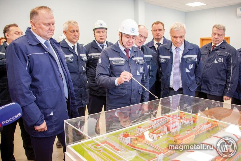 Полномочный представитель президента РФ в Уральском федеральном округе Николай Цуканов вместе с г