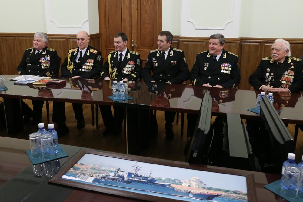 На приеме присутствовали заместитель командира 197-й бригады десантных кораблей 30-й дивизии надв