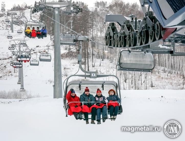 В горнолыжном центре «Абзаково» перерезали красную ленточку в честь открытия новой пассажирской п